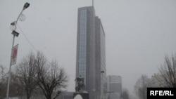 Strategija Vlade i Međunarodne civilne kancelarije za integraciju severa ima za cilj da u tom delu zažive institucije Kosova uz postepeno ukidanje institucija Republike Srbije - Priština, zgrada Vlade