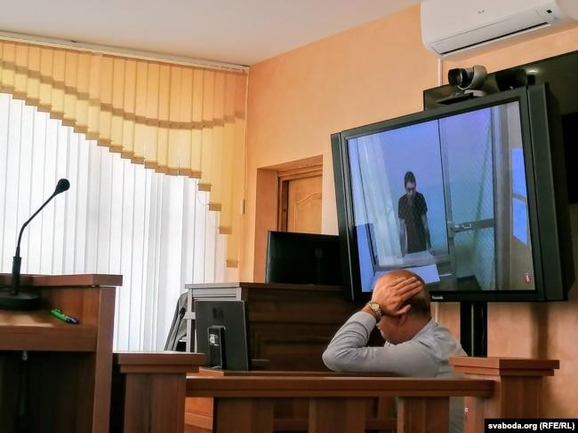 Арцём Сакаў (на экране)