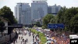 Германиянын батышындагы Эссен шаарынын ныптасынан өтчү A40 автобанындагы тыгын. 18-июль, 2010-жыл