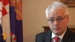 Josipović: Ćirilica nije simbol rata