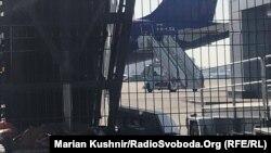 Военный самолет в киевском аэропорту «Жуляны», 30 августа 2019 года