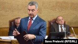 Premijer Crne Gore Milo Đukanović na premijerskom satu