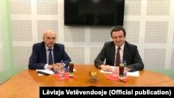 Косово- состанок на Албин Курти од Движењето Самоопределување и Иса Мустафа од Демократскиот сојуз на Косово