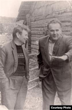 Янка Брыль і Максім Танк. З фондаў БДАМЛМ
