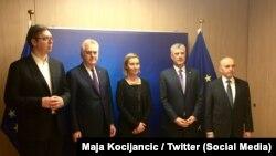 Delegacioni i Kosovës dhe i Serbisë në takim me Federica Mogherinin e BE-së