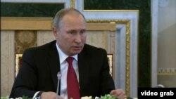Путин дар форуми иқтисодии Петербург