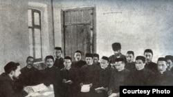 Казанның Мөхәммәдия мәдрәсәсе шәкертләре, 1907
