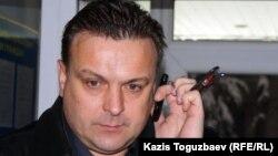 Владимир Козловтың адвокаты Алексей Плугов. Алматы, 19 наурыз 2012 жыл.