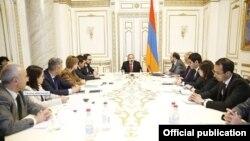 Совещание в правительстве Армении, Ереван, 18 ноября 2019 г.