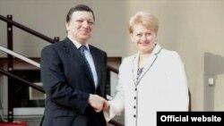 Даля Ґрібаускайте (п), Жозе Мануел Баррозу (л), архівне фото