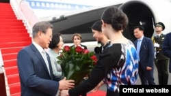 Жанубий Корея президенти Мун Чжэ Иннинг 2019 йилнинг 19 апрелда Тошкентда кутиб олиниши.