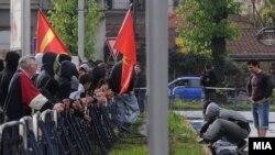 Насилни протести во Скопје по петкратнопто убиство во Смиљковци, 15 април 2012.
