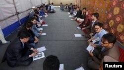 Kabulyň paýtagtyndaky protestleri guramalaşdyran hazara jemgyýetiniň agzalary 15-nji maýda maslahat geçirdiler.