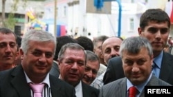 ედუარდ კოკოითი (მარჯვნივ) და ალბერტ ჯუსოევი