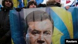 Пикет сторонников Виктора Януковича возле здания Верховной Рады 16 января 2014 года