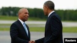 Девал Патрик (слева) и Барак Обама