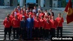 Рио олимпиадасына аттанган кыргыз спортчулары президент менен.