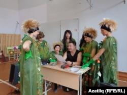 Павел Мурзин педагог-репетитор артистлар белән