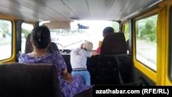 Поездка на микроавтобусе, Туркменистан