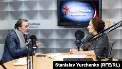 Синавер Кадыров и Елена Юрченко в эфире «Дневного шоу» на Радио Крым.Реалии