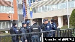 Приштинадағы Косово полициясы (Көрнекі сурет).