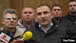 Прес конференција на Стојанче Ангелов од партијата Достоинство.