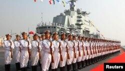 ناویهای «ارتش آزادیبخش» چین بر عرشه لیائونینگ
