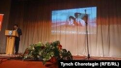Жыйынды Кыргыз Республикасынын Өкмөтүнүн Нарын облусундагы ыйгарым укуктуу өкүлү А.Кайыпов ачты.