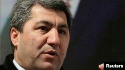 """2015 жылы ресми Душанбе """"Тәжікстан ислам жаңғыру партиясына"""" тыйым салғаннан кейін партия жетекшісі Мұхиддин Кабири шетелге кетіп қалды."""