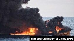 معاون امور دریایی سازمان بنادر و دریانوردی گفت که هنوز امکان گفت و گو با خدمه کشتی فراهم نشده است