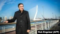 Mikheil Saakașvili pe Podul Erasmus la Totterdam