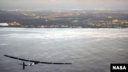 Solar Impulse очкычы җиргә утырырга җыена