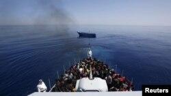 Brod sa migrantima u Sredozemnom moru