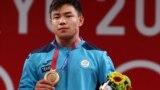 Бронзовый призер Олимпиады в Токио казахстанский тяжелоатлет Игорь Сон. 25 июля 2021 года