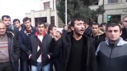 """""""Bizə maaş söz verən gəlsin bura"""""""