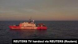 """Brod """"Luiz Mišel"""" koji finasira Benksi u misiji spasavanja migranata u Sredozemnom moru, 17. avgust 2020."""