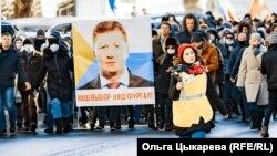 Александра Теплякова ведет репортаж с акции 14 ноября