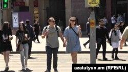 Հայաստան - Ռուսաստանցի զբոսաշրջիկներ Երևանում, մայիս, 2021թ․