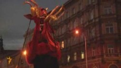 Şeytan və mələklərin iştirakı ilə yürüş