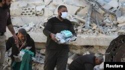 На месте удара по больнице организации «Врачи без границ» в Сирии. Марат Нуман, 16 февраля 2016 года.
