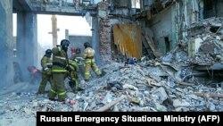 На месте взрыва дома в Магнитогорске