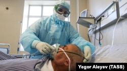 Медработник в больнице в Татарстане. Иллюстративное фото.