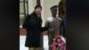 Вячаслаў Касінераў каля фігуры гарадавога. Скрыншот з жывой трансьляцыі