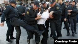 Ադրբեջան - Ոստիկանությունը ակտիվիստների է ձերբակալում, արխիվ