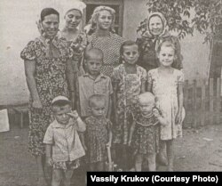 Семья Василия Крюкова в казахстанской ссылке