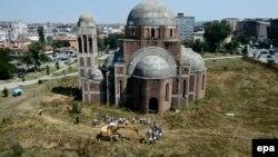 Iskopavanje terena u Prištini