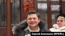 Станислав Дмитриевский после судебного заседания, Нижний Новгород