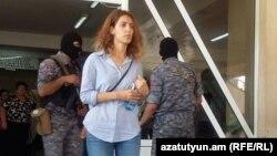 Աշոտ Պետրոսյանի դուստրը՝ հիվանդանոցում, 26-ը հուլիսի, 2016թ.