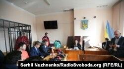Під час засідання суду у справі Романа Насірова, 6 березня 2017 року