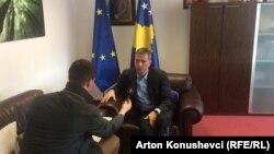 Intervistë me ministrin e Integrimeve Evropiane, Bekim Çollaku.